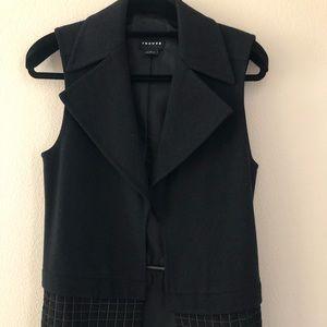Trouve two piece vest.